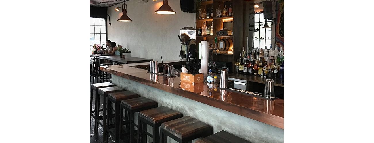 Hank's Pizza & Liquor Bar